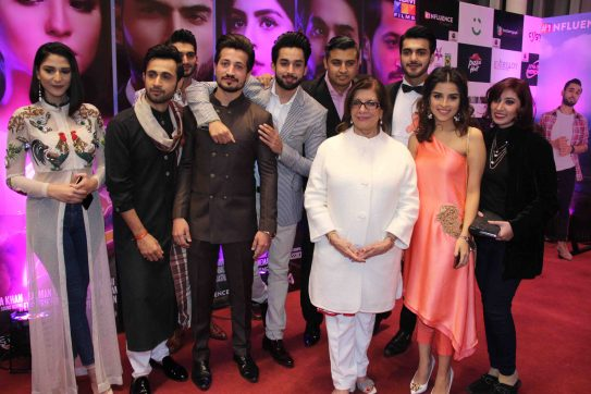 post-report-star-studded-premiere-for-thora-jee-le-held-in-karachi-2